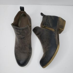 Jessica Cline Dani Zip Up Ankle Boots Size 11M